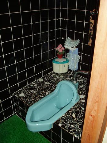 N様邸。和式トイレから洋式トイレへのリフォーム事例です。