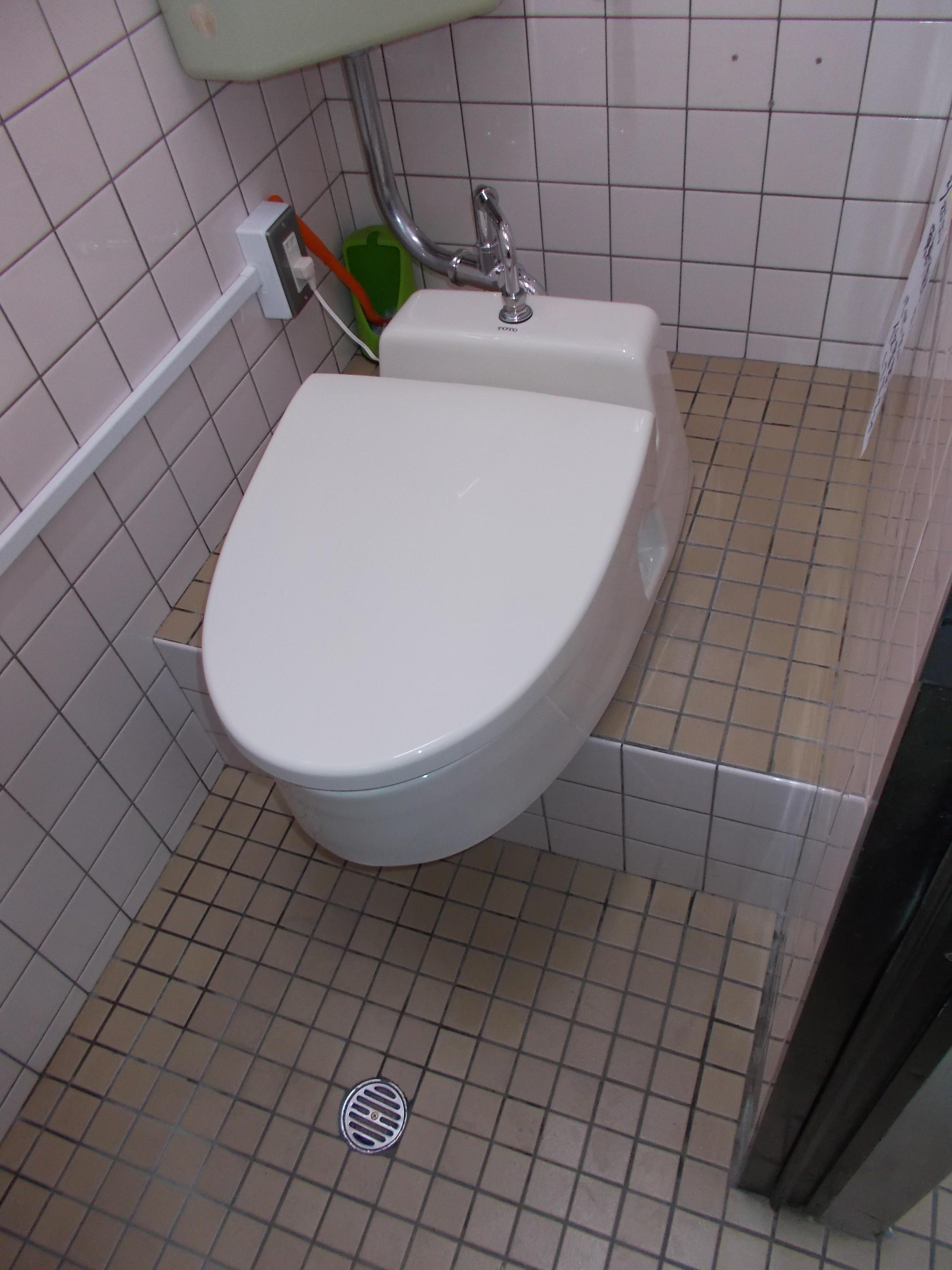 K社様。和式トイレを簡易洋式トイレにされた事例です。