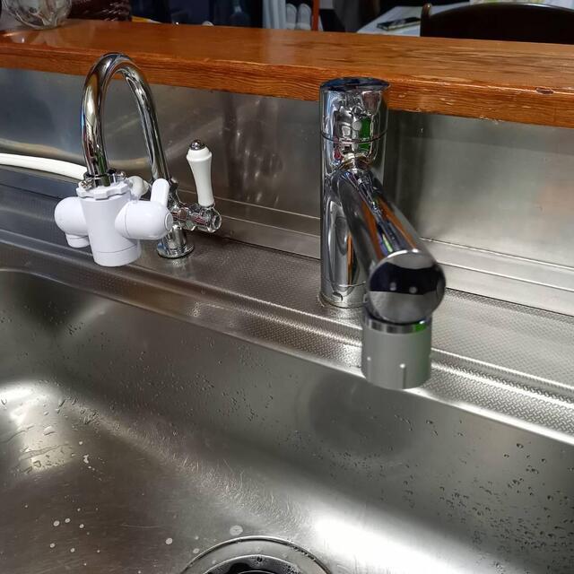 F様邸。台所水栓交換の事例です。